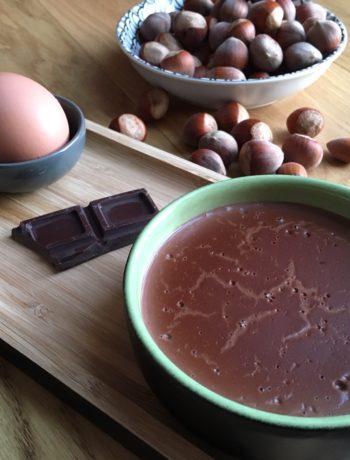 Crème au chocolat et noisettes