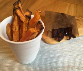 Frites de patate douce et de betterave
