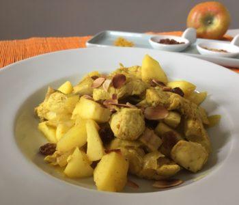 Curry de poulet aux amandes, pommes et raisins