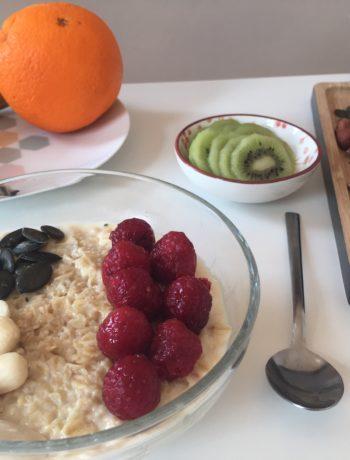 Porridge aux fruits frais